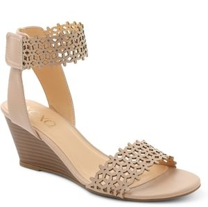 New wedge sandal